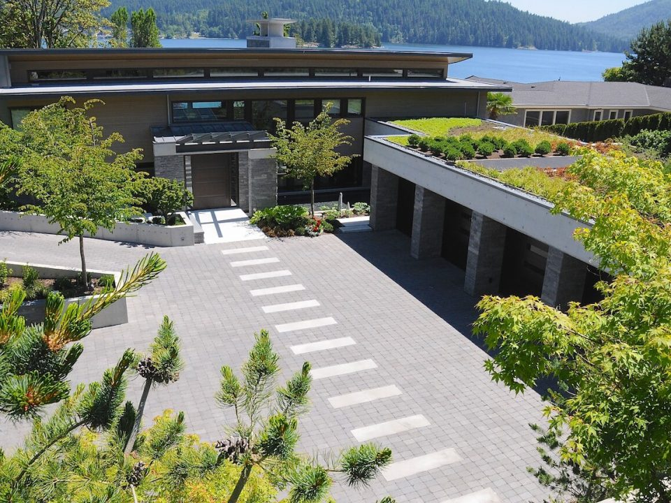 Cove's Edge - Fossil Landscape Construction Vancouver